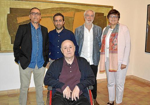 Andreu Aguiló, Miquel Àngel Sureda, Miquel Àngel March y Aina Aguiló con el artista.