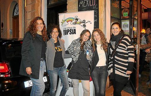 Ana Droste, Abigail Gutiérrez, Patricia Espinosa, Clara Márquez y Sara Perona.