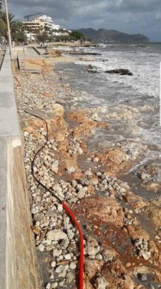 El temporal dejó las playas con las rocas a la vista.