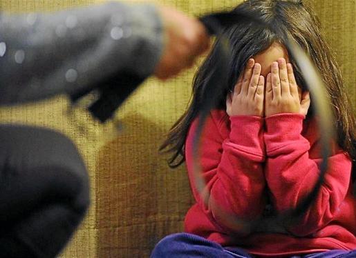 La ONG Save the Children denuncia que sólo cinco comunidades autónomas cuentan con recursos gratuitos.