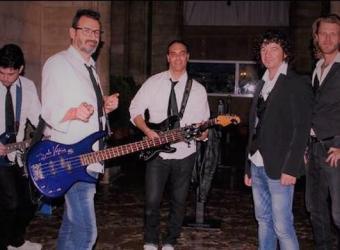 La Movida viaja en el tiempo a los 80 y 90 con un concierto benéfico de La Movida Band