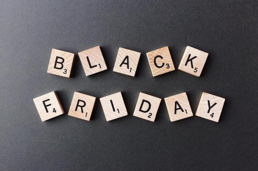 El Black Friday comenzó siendo en Mallorca un tímido día de ofertas en internet y en las grandes superficies y se ha convertido en todo un fenómeno social.