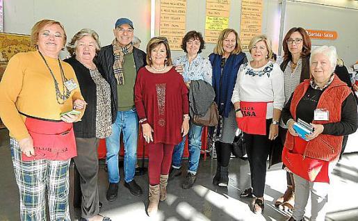 Isabel Vera, Carmen Ceva, León López, Marga Prohens, Begoña Carrasco, Águeda Ropero, Carmen Carreras, Esperanza Serrano y María Rosa Martínez.