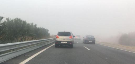 Imagen de la espesa niebla de este viernes.