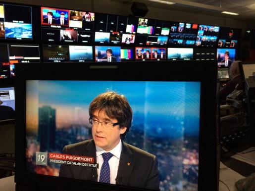 Según Puigdemont, la solución es «sentarse a hablar»: «basta ya de policía, basta ya de fiscales y de jueces y de encarcelamientos».