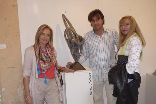 Ulrike Müller, Patrick Guino y Marita Rehme de Menéndez Vega.