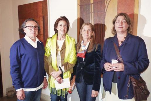 Jaime Llabrés, Begoña Moragues, Conchita Estaún y la pintora Susana Bouzas.