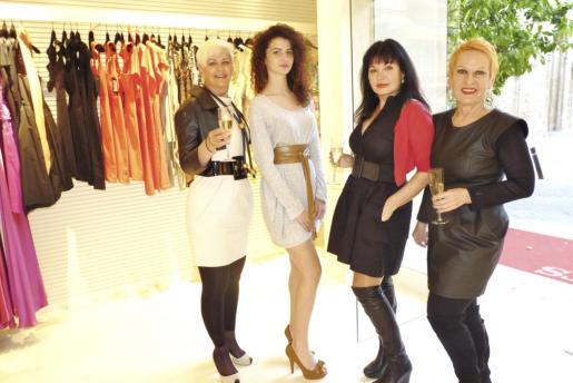 Verónica Moser, Rebeca Razquin, Francisca Ruíz y Ana María Ruppert.