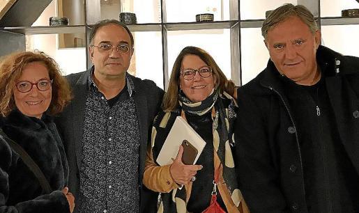 Aina Cortès, Miquel Segura, Marisa y Vicenç Ochoa.