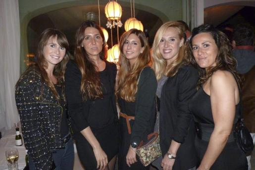 Sabrina Barceló, Carmen Llompart, Aynara Coll, Leti Lope y Marga Aloy.