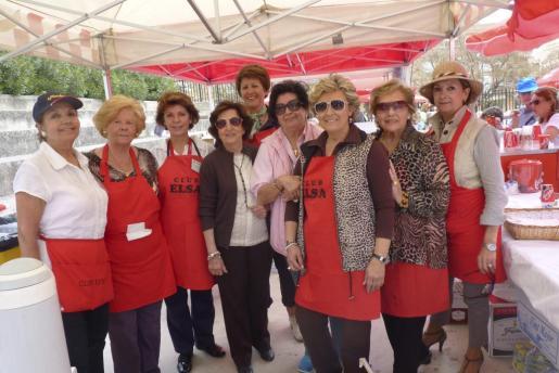 Manoli Barroso, Elena Lara, Francisca Llabrés, Juana Canals, Irene Kehl, Margalida Mateu, Rafi Córdoba, Rosita Vidal y Kika Martorell.