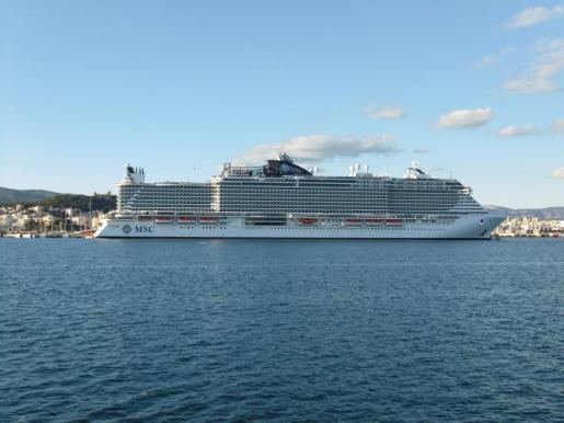 El nuevo megacrucero de MSC, amarrado en el Port de Palma.