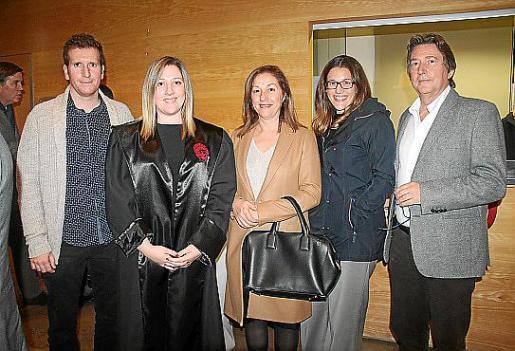 Pedro Amer, Margalida Fornaris, Margalida Ramis, Antònia Fornaris y Sebastià Fornaris.