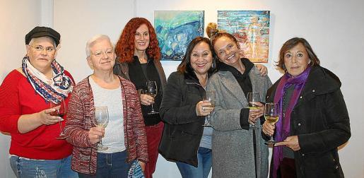 Petra Cerdá, Margalida Alemany, Catalina Sureda, Marisa Cañas, Maya Shab y Maribel Bautista.