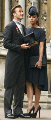 Victoria Beckham junto a su marido, el día de la boda entre el príncipe Guillermo y Kate Middelton.