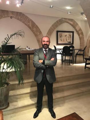 Jesús Peña es el CEO de Consulting JP, una empresa de consultoría.