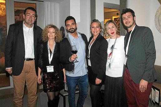 Toni Pons, Alessia Gomis, Álex Fernández, Nuria Gómez, Asun Prats y Juantxo Madrid.