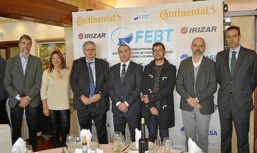 Antonio Escarda, Fanny Clar, Rafel Roig, José Antonio Álvarez, Joan Ferrer, Jaume Mateu y Rafael Barbadillo.