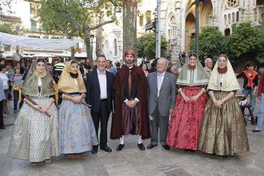 Las Valentes Dones recibieron con orgullo su elección para representar a estos personajes históricos.