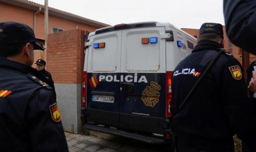 La titular del Juzgado de Instrucción número 1 de Aranda de Duero (Burgos) decretó el ingreso en prisión provisional, comunicada y sin fianza para los tres jugadores de la Arandina Club de Fútbol acusados de un delito de agresión sexual a una menor.