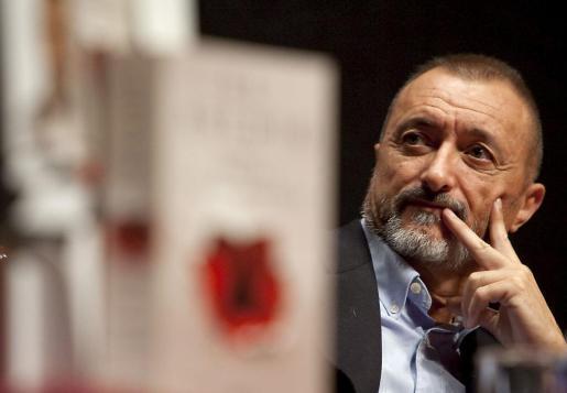 El escritor español Arturo Pérez Reverte.