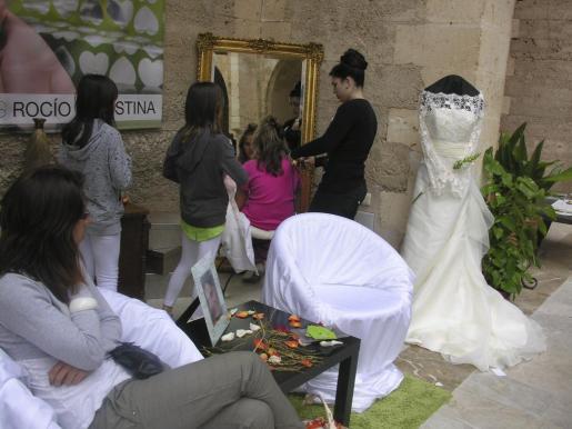 La Fira dels Enamorats, en la que participan todo tipo de empresas dedicadas a las bodas, se celebra en el templo inacabado de la Església Nova.