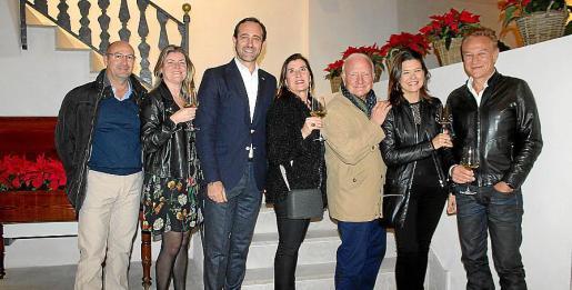 Carlos Corral, Magdalena Mesquida, José Ramón Bauzá, Mariví Ros, Santi Fabré, Elvira Salvá y Benjo Isern.