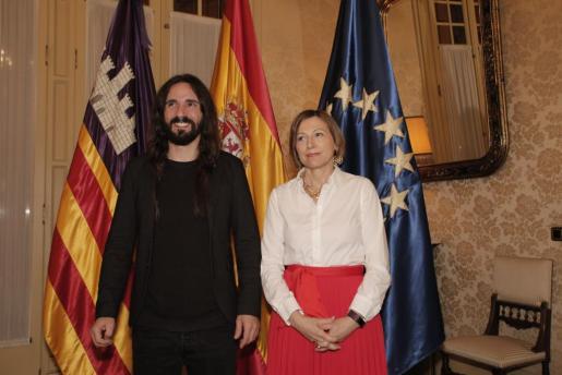 El president del Parlament y la presidenta de la Diputación Permanente de la cámara catalana, en su reunión en el hemiciclo.