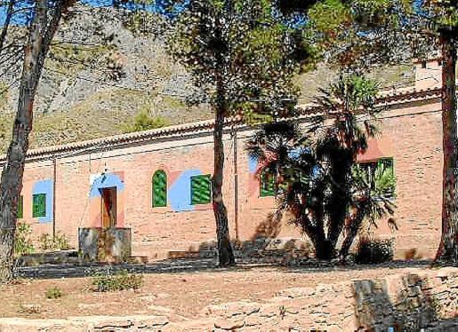 Las casas de Betlem, donde se ubicaba el antiguo cuartel, han mantenido con el paso de los años su uso social gracias a la cesión desinteresada de la propiedad Cala Veya SA.