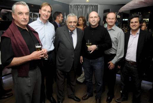 Robert Maunder, Paul Abrey, Pere A. Serra, Marc Fosh, Peter Newey y Pedro Rullán.