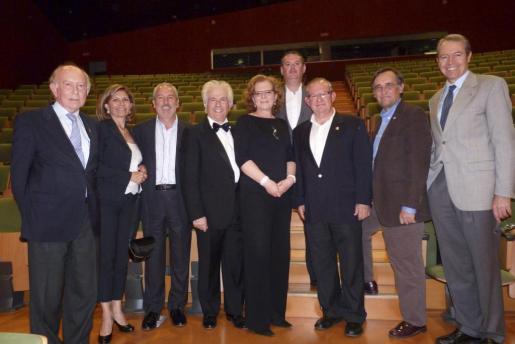 Alfonso Ballesteros, María Puigserver, Joan Torrens, Ernesto Leo y su esposa, José Luis Bartual -director del Conservatorio-, Pancho Roses, Xim Fortuny y Jesús Martínez.