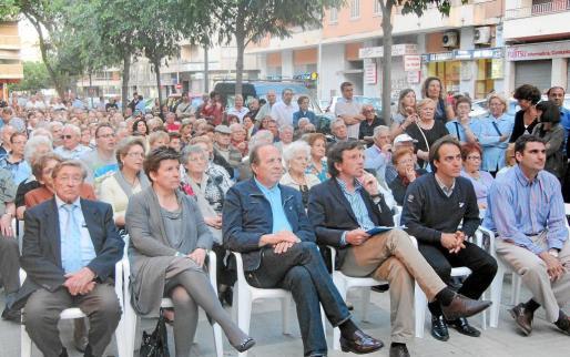 El PP de Palma congregó ayer a numerosas persona en un acto en el distrito de Aragó.