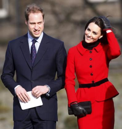 El príncipe de Inglaterra Guillermo (i) y su esposa Catherine Middleton, en una imagen de archivo.