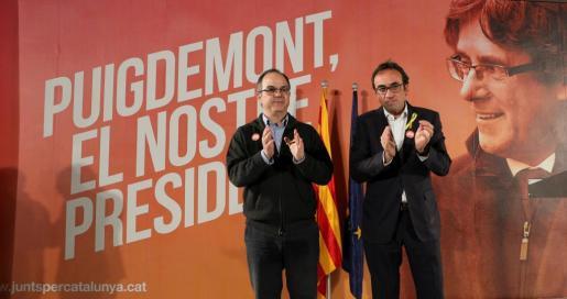 Los dos exconsejeros, ambos del PDeCat, mostraron su esperanza de no tener que volver y de ver de nuevo a Junqueras en el Parlamento catalán.