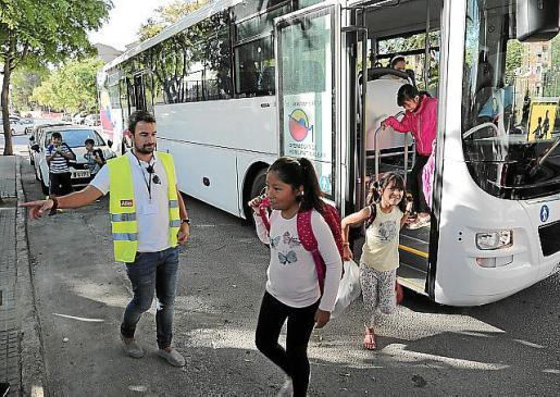 Los 125 alumnos del Santa Isabel se reunían cada día a las 8.30 horas en su centro para tomar el bus escolar y llegar a las 9.00 al Son Quint.