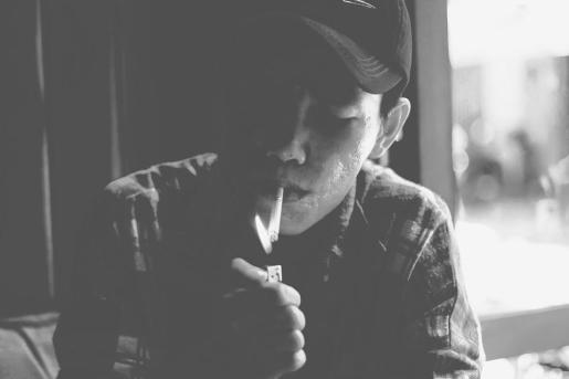 Los padres son los encargados de suministrar el tabaco a sus hijos.