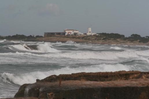 Este jueves el viento fuerte tendrá con aviso naranja, al esperarse rachas de hasta 100 kilómetros por hora en Ibiza y Formentera.