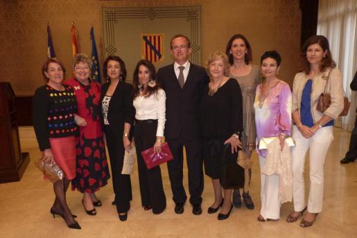 Amelia Obeso, Anne Dorte Kring, Soledad Haro,Eva Shakouri, José Escalas, Nicole Mufragi, Natalia Rigo, Josefina Coll y María Luisa Blanco.