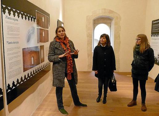 Magdalena Salas, Catalina Riera y Maria Antònia Cladera durante la presentación.