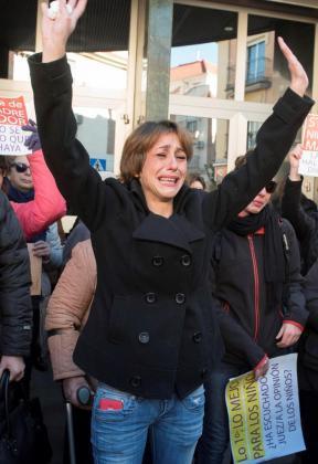 Fotografía de archivo, tomada el 20/12/2016, de Juana Rivas para quien la Fiscalía de Granada ha solicitado provisionalmente un total de cinco años de prisión por dos delitos de sustracción de menores.