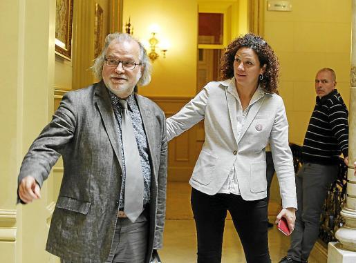 Manresa y la consellera Cladera, hace unos meses en el Parlament.