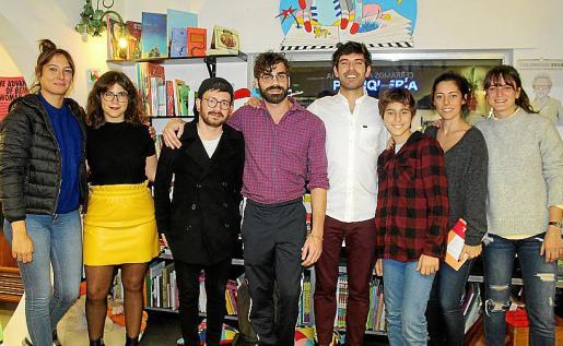 Laura Garrido, Laura Llompart, Marco Augusto, Sebas Mandilego, Pablo Herrán de Viu, Pablo y Pilar Monserrat y Claudia Herrero.