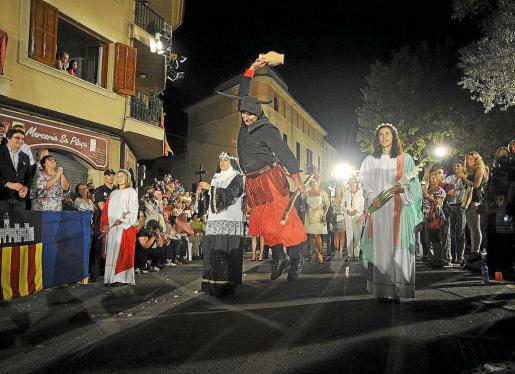 La de la Beata o Santa Catalina Tomàs no solo es «la procesión más típica de Mallorca», sino también una de las fiestas más impecablemente cuidadas en sus aspectos formales.