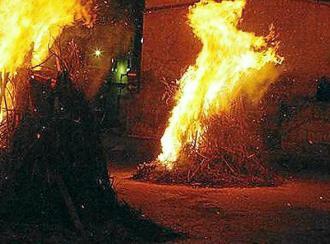 Una noche con más de 60 'foguerons' en Pollença para celebrar Sant Antoni 2018