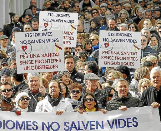 La manifestación celebrada en Menorca el pasado mes de diciembre, que congregó a más de 1.500 personas en contra del decreto de catalán en la sanidad, ha hecho temer a representantes del Pacte que el rechazo acabe pasando factura en las elecciones de 2019.