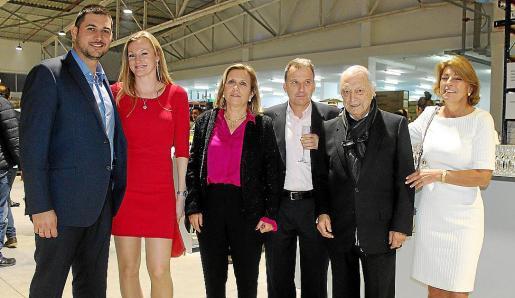 Eduardo González -gerente-, Dorota Choptona, María Jesús Jaume, Antonio Cabot Palmer, Antonio Cabot Company e Isabel Cabot.