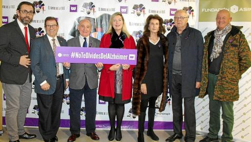 El rector de la UIB Llorenç Huguet, Francisco Martorell, la consellera de Salut, Patricia Gómez; Carmen Planas, Miguel Bordoy y Micki Rullán.