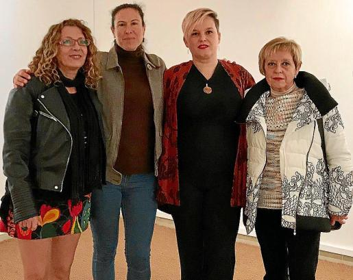 Sandra Renzi, Ana Serra, Marta Murgades y Fina Pollina.