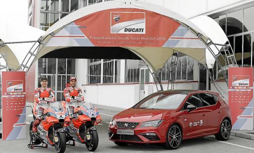 Los pilotos Jorge Lorenzo y Andrea Dovizioso son embajadores de SEAT e imagen del León Cupra.