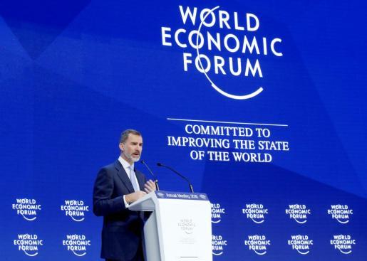 El Rey Felipe VI en su intervención en el Foro Económico Mundial, reunido en la ciudad suiza de Davos.